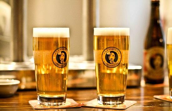 De cañas a una fábrica de cerveza