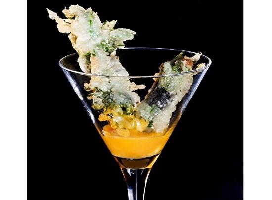 Cóctel de erizo en tempura en 99 Sushi Bar