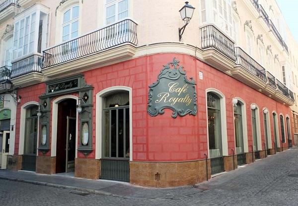 Fachada de Café Royalty