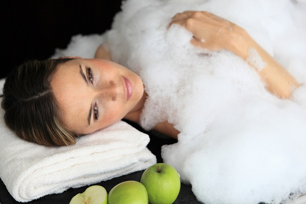 Peeling con espuma de jabón a la manzana by Manuela Prossliner