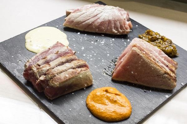 Parrillada degustación de atún con tres salsas. Restaurante Ponzano, Madrid